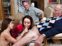 Adolescente invita a sus amigos a sexo mexicano en español tener sexo oral en la sauna orgía.
